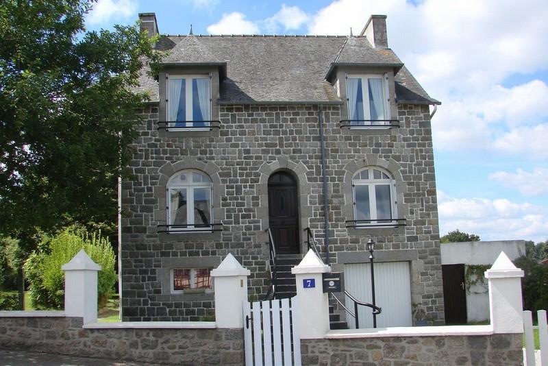 Spacieuse Maison Bretonne avec 3 Chambres