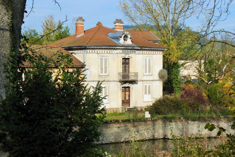 Maison de Maitre 147 000 € H.A.I. THIZY les Bourgs