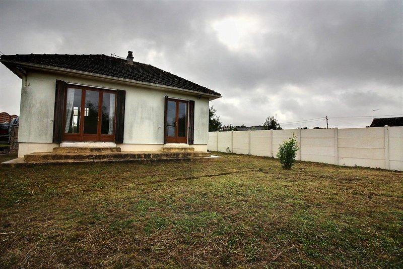 Petite maison 2 pièces à rénover