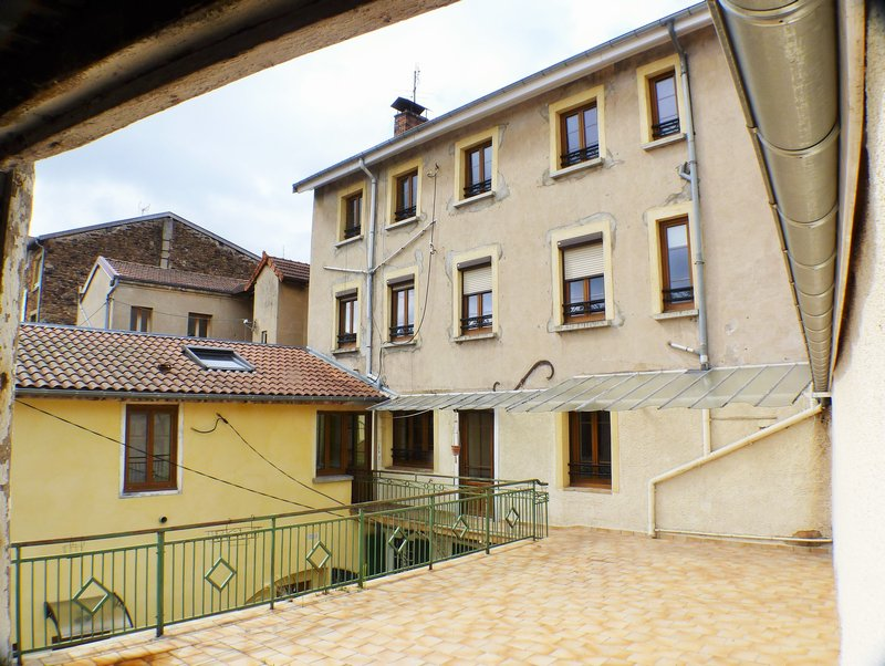 Immeuble 6 lots  Thizy les Bourgs 190 000 € HAI
