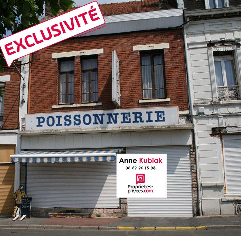 MAISON DE VILLE -127M2 ENV -4 CHAMBRES-JARDIN-GARAGE- HANGAR