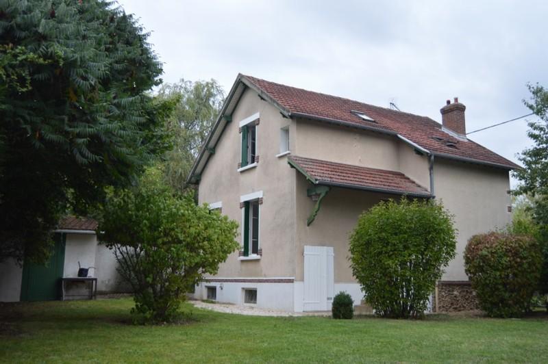 Maison 5 pièces 3 chambres 159 990 €