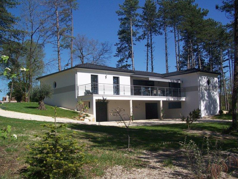 vente maison d 39 architecte 126 m perigueux 24000. Black Bedroom Furniture Sets. Home Design Ideas