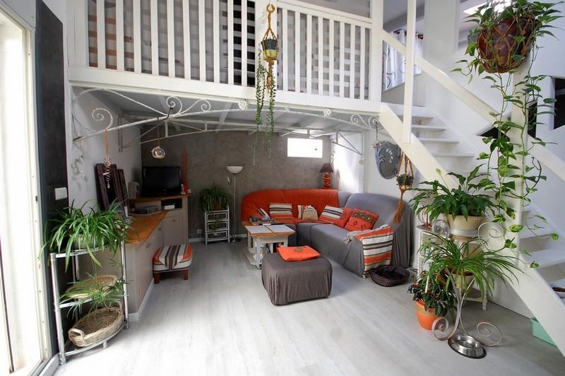 Maison atypique à l est de Carcassonne sur 1000 m2