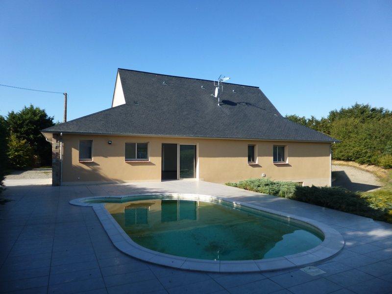 AZE - Maison de plain pied 160 m²