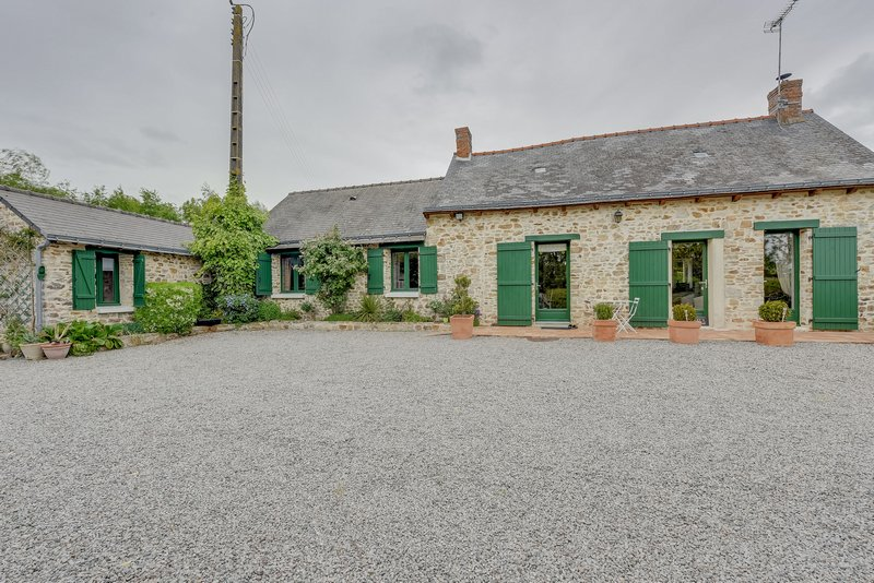 Maison type longère 121m², 3 chamb.46000m² terrain