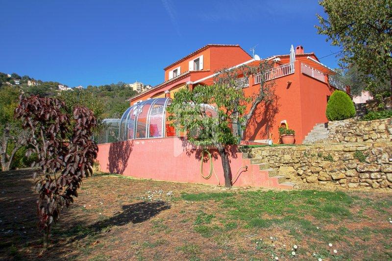 Villa 5 pieces proche de Contes 06390