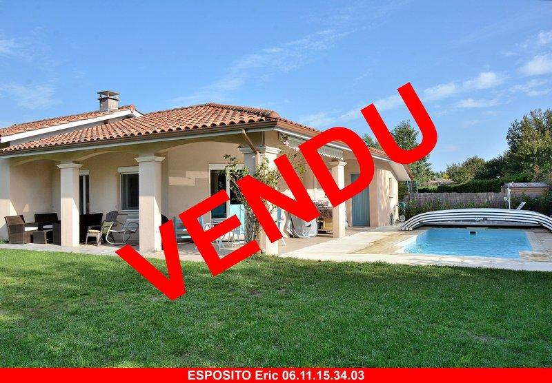 Villa T5 avec piscine sur 824 m²