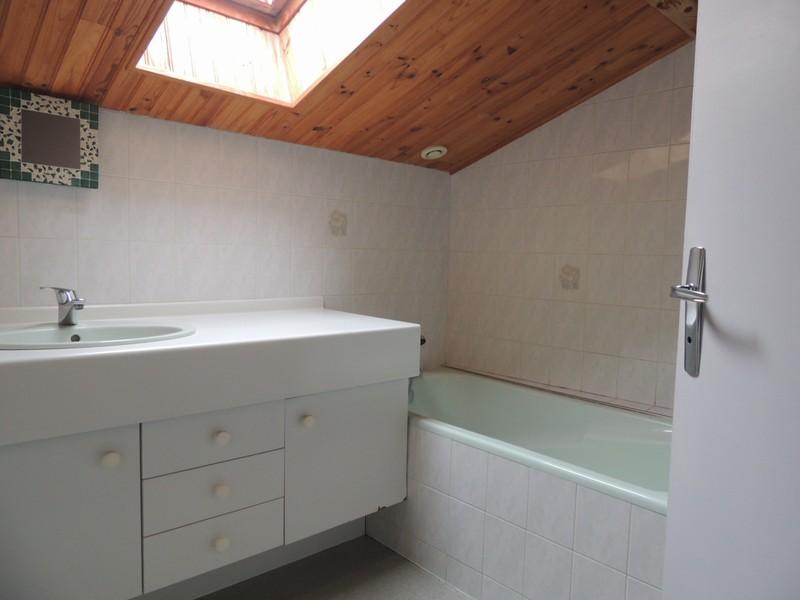 vente maison 115 m la gaubretiere 85130. Black Bedroom Furniture Sets. Home Design Ideas