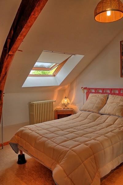 Proche Cantenay-Epinard, maison ancienne et jardin
