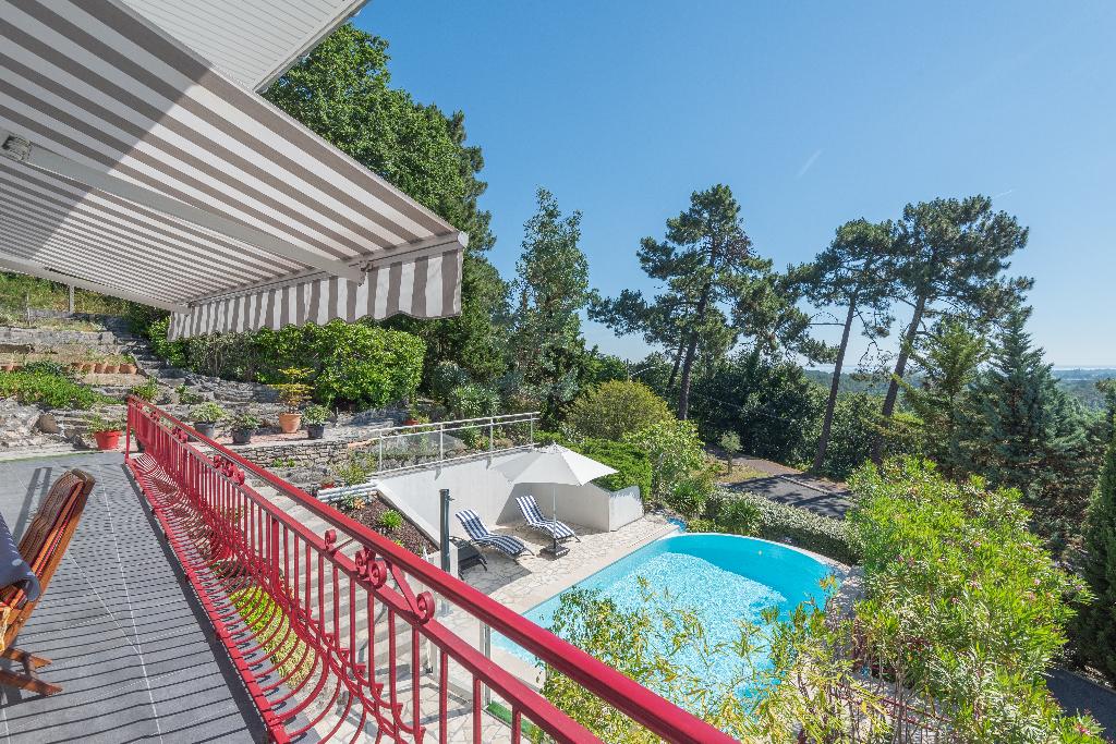 VILLA au PYLA de 216 m2 avec piscine et vue BASSIN