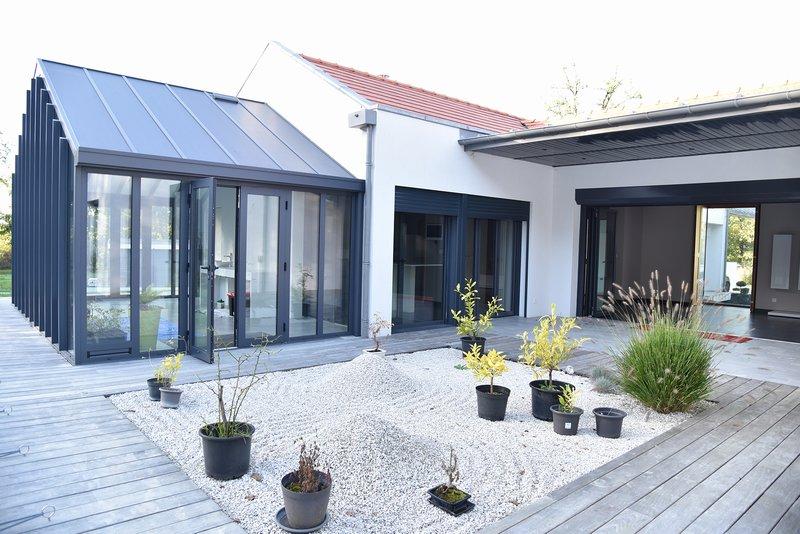 Vente villa 180 m angouleme 16000 for Construction piscine angouleme