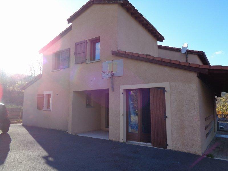 Coubon (43) maison 5 chambres, terrain+piscine