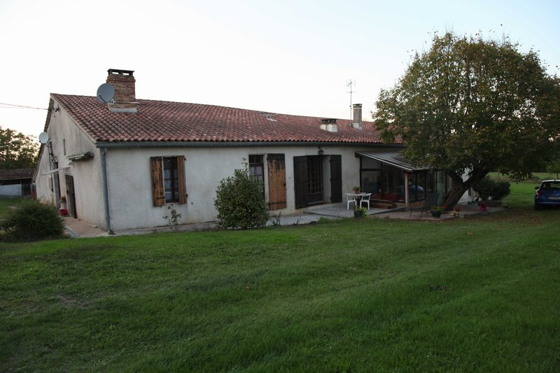 Maison - 10 piece(s) - 600 m2