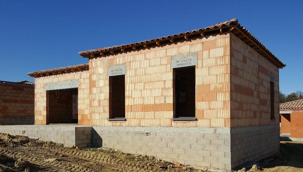 Villa neuve, 102m², 640m² de terrain