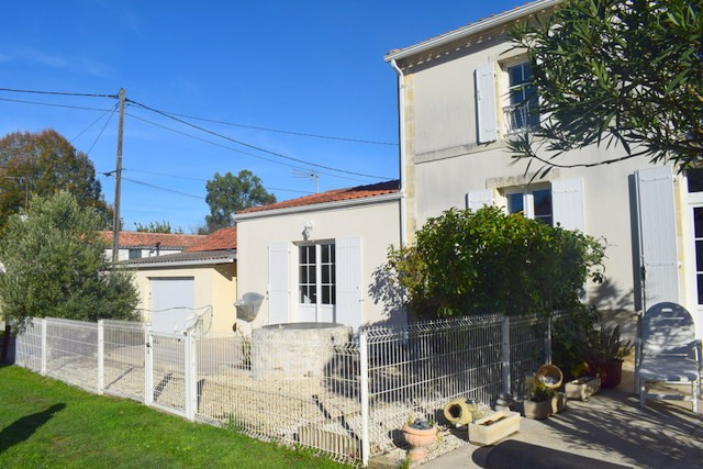 MAISON CHARENTAISE DE 3 PIECES A ROYAN