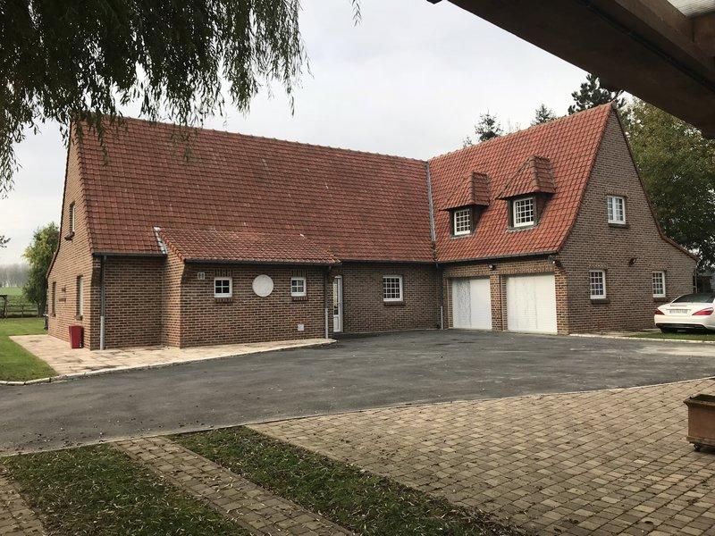 PROPRIETE 250 m2 , proximité LILLE et V.D ASCQ