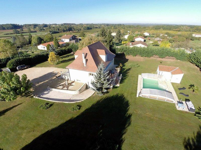 Vente maison 160 m bonneville et saint avit de fumadieres for Piscine bonneville