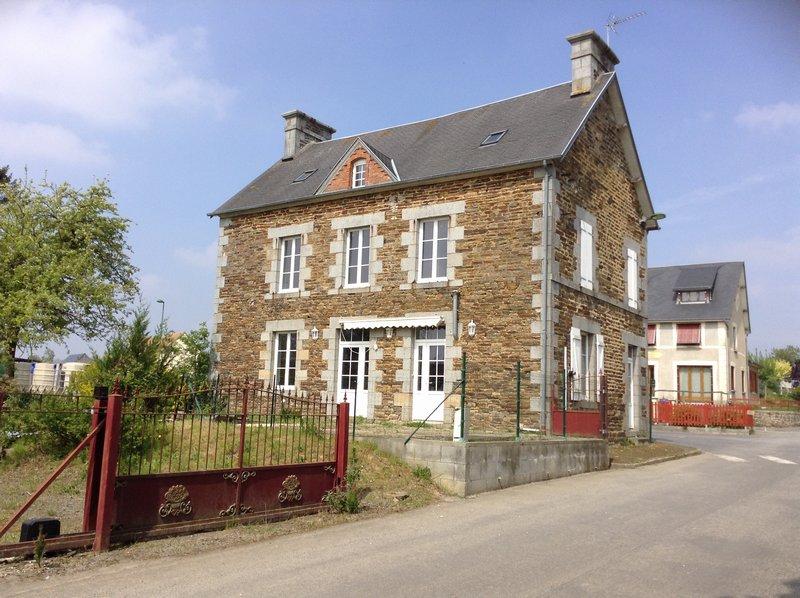 Vente maison de village 196 m saint hilaire du harcouet 50600 - Garage st hilaire du harcouet ...