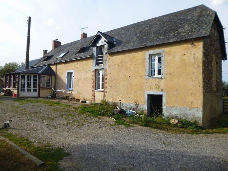 CHEMÉRÉ LE ROI - Fermette à rénover 150 m2
