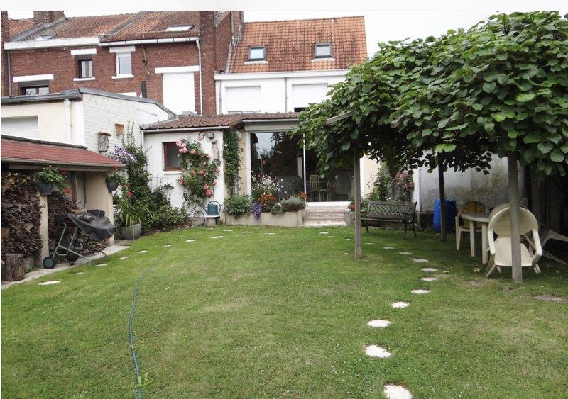 vente maison 128 m villeneuve d 39 ascq 59650. Black Bedroom Furniture Sets. Home Design Ideas