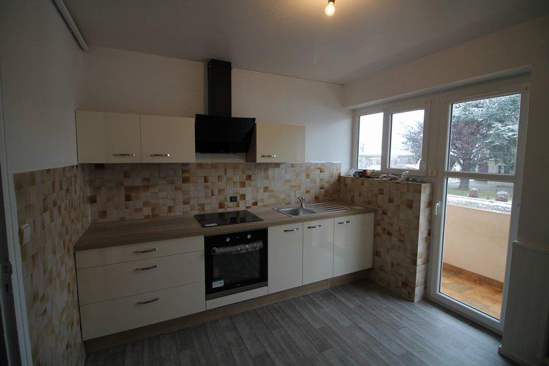Appartement T4 85 m² 74210 FAVERGES 180 000