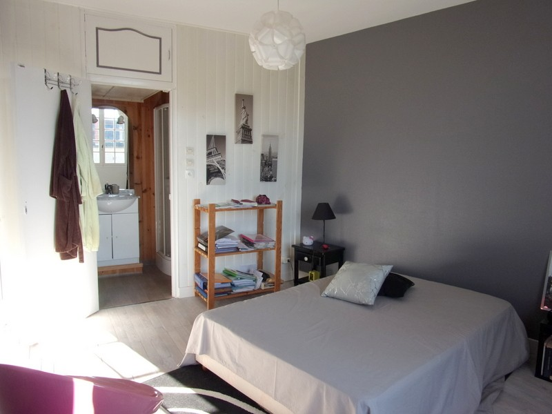 vente maison 178 m hautefort 24390. Black Bedroom Furniture Sets. Home Design Ideas