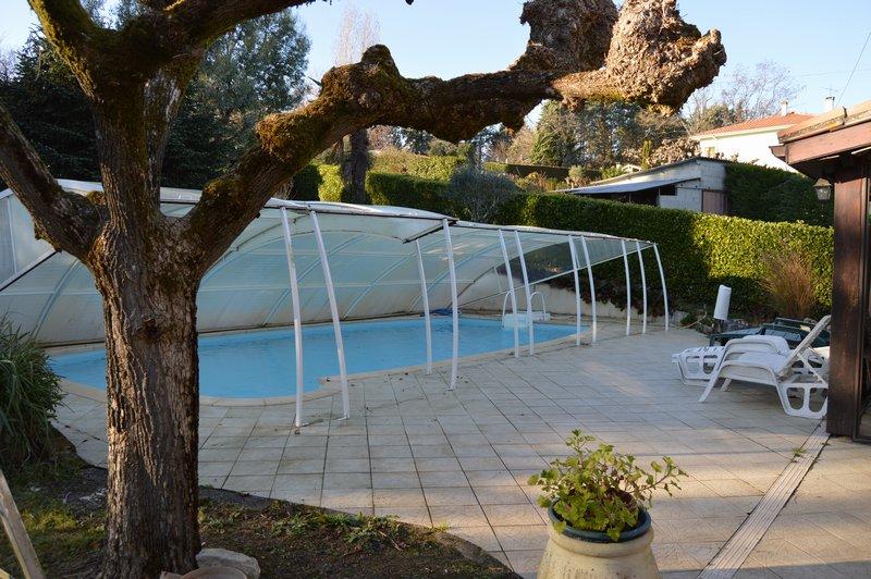 Maison avec piscine et appartement indépendant