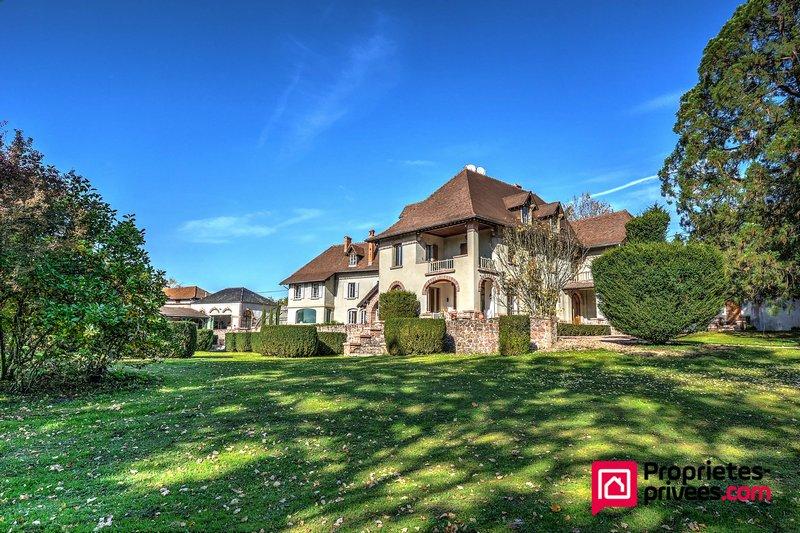 Maison de caractère Haut Beaujolais 712 800 €