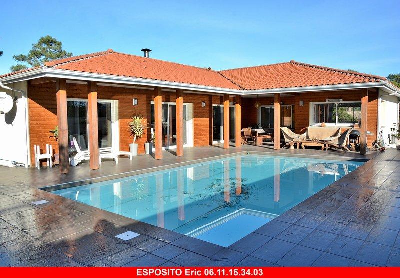 Villa T8 avec piscine à Mimizan plage