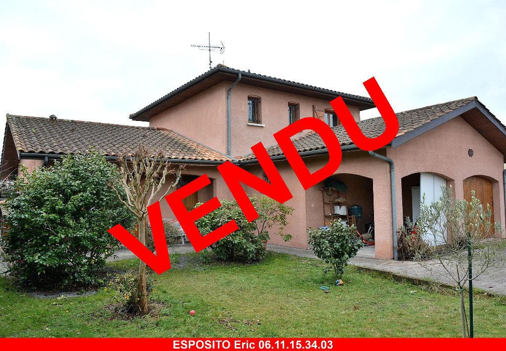 Maison T6 sur 893 m² proche centre Parentis
