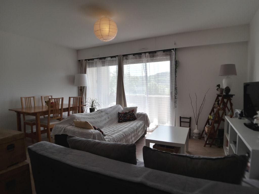 Appartement 3 pièces Saint-Chéron centre