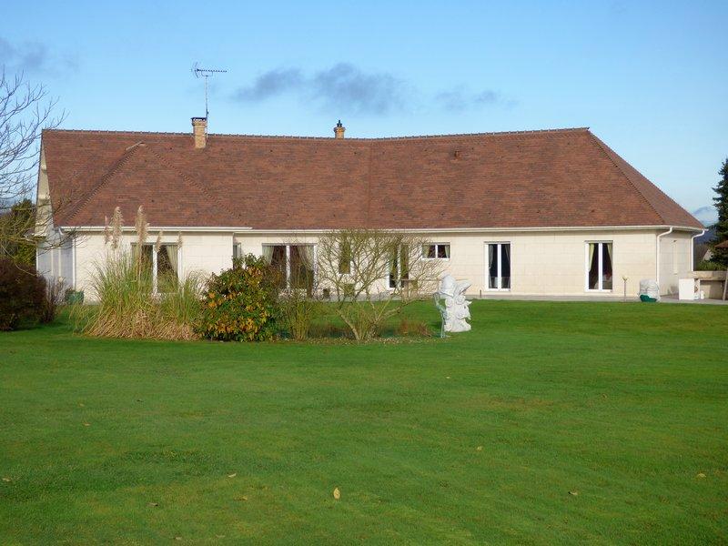 Maison individuelle - 205 m2 - 4 chambres - Piscine - Terrain - 818 500  HAI