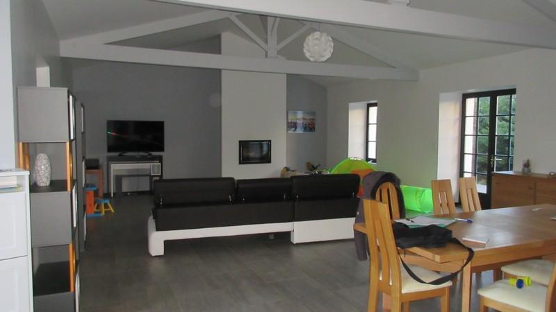 Maison - 6 piece(s) - 220 m2