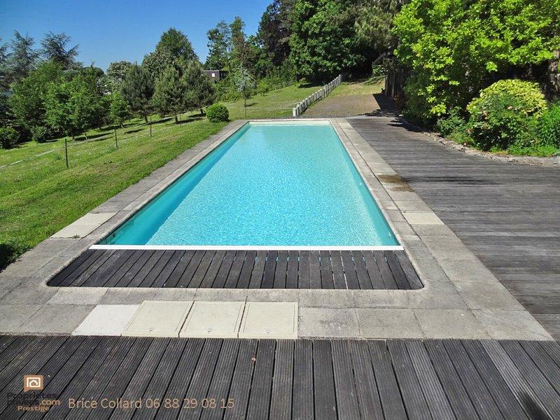 60200 COMPIEGNE Propriété bourgeoise avec piscine