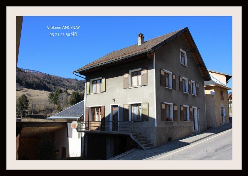 Maison de village à  rénover, Entremont le Vieux