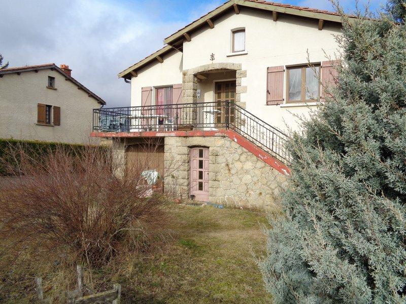 Landos (43) maison 160 m2+ appartement sur terrain
