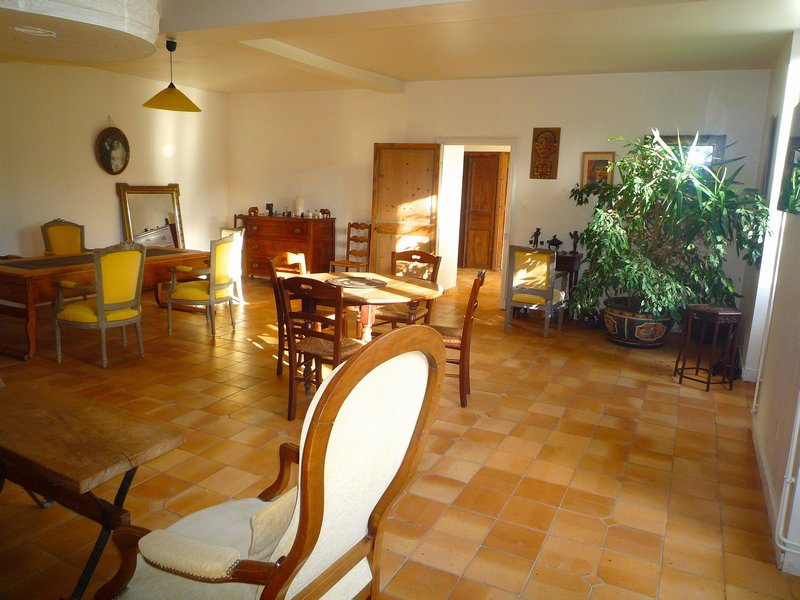 A vendre - MATHA - 16100 - Longère, 520m2, 10 pièces, 7 chambres