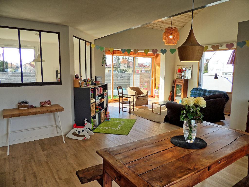 Maison centre-ville 160m², 5 chambres et grenier, garage