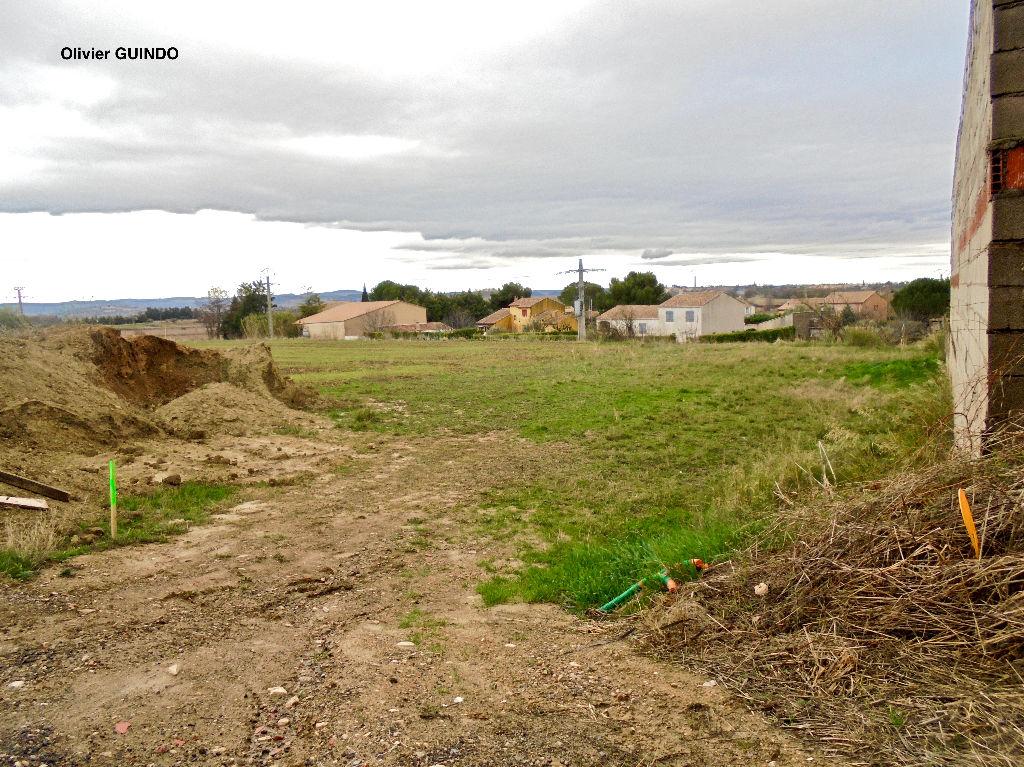 Terrain constructible viabilisé de 850 m2