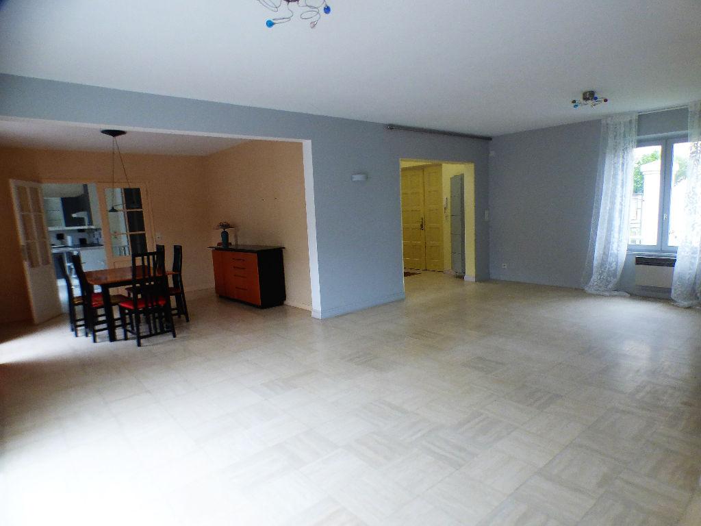 Vente maison individuelle 230 m dreux 28100 for Location garage dreux