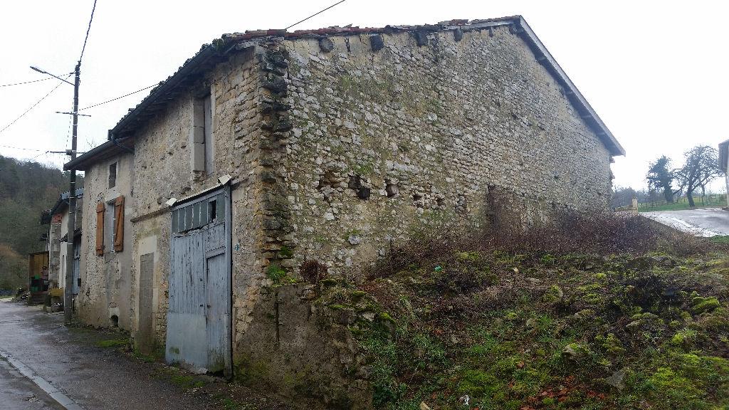 Maison de Village de 72 m² habitable et à Rénover entièrement