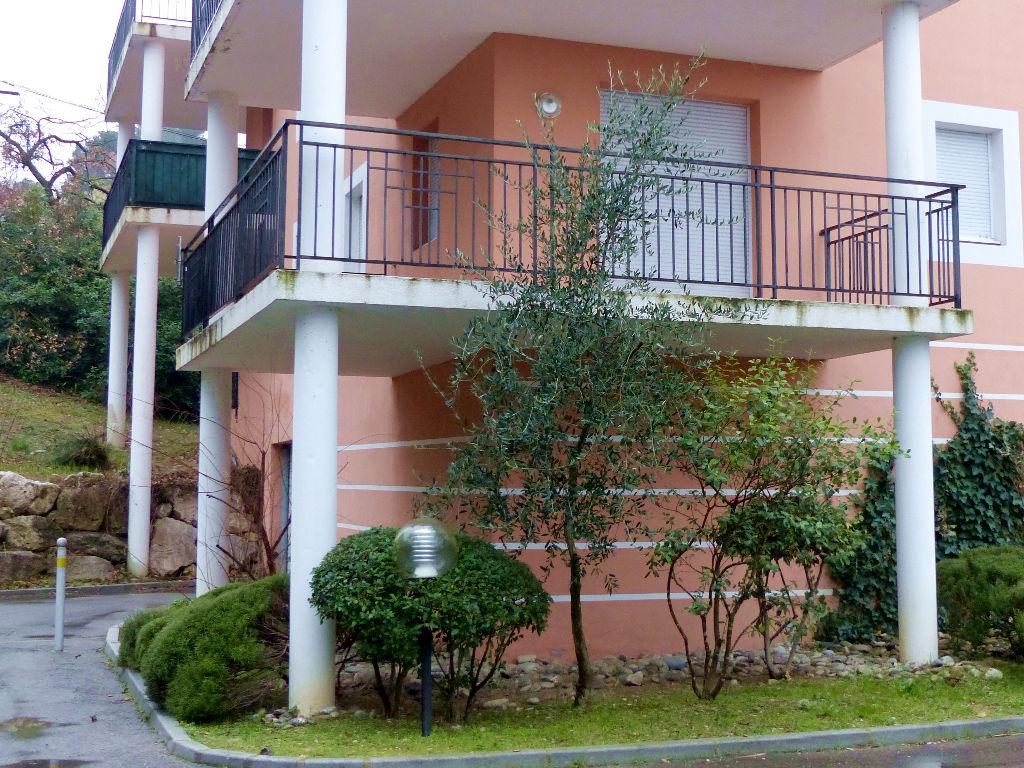 Appartement de standing avec belle terrasse