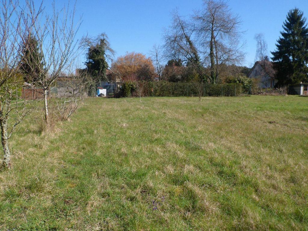 Terrain à bâtir de 863 m² - Saint Gondon