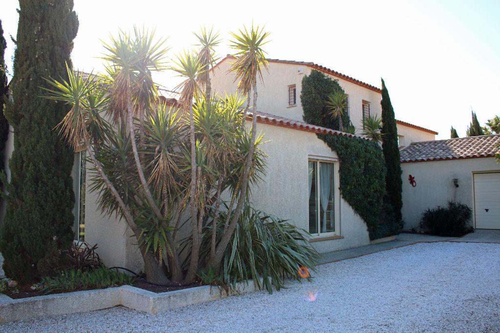 A vendre. Villa d'architecte avec piscine de 230 m² - Brouilla (66)