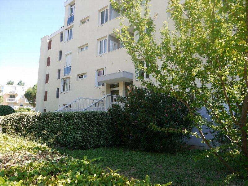 Hôpitaux Facultés  T3 dernier étage avec terrasse