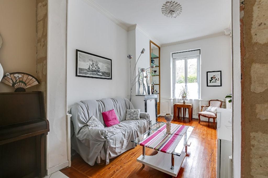 vente maison en pierres 117 m bordeaux 33000. Black Bedroom Furniture Sets. Home Design Ideas