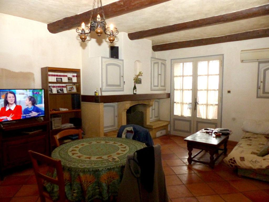 Maison de village avec belle terrasse