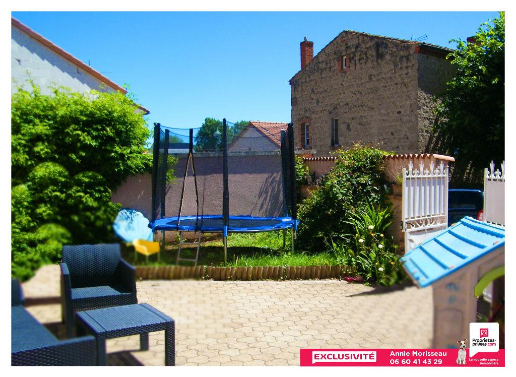 Maison vigneronne 172 m², 6 pièces, cour, terrasse, garage