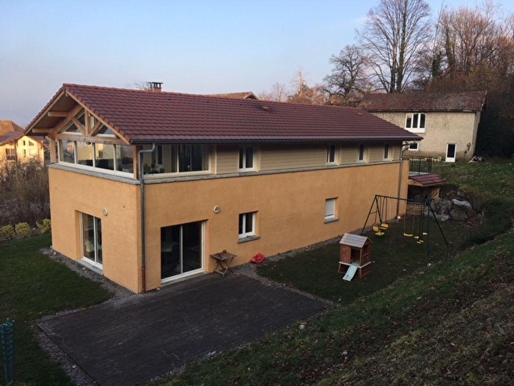 Secteur Evian, Vaste villa  récente avec T2 indép au calme, annexe